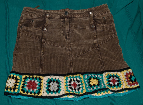 Old skirt with crocheted border